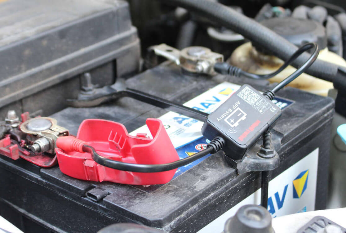Install to the varta battery Bluetooth battery monitor