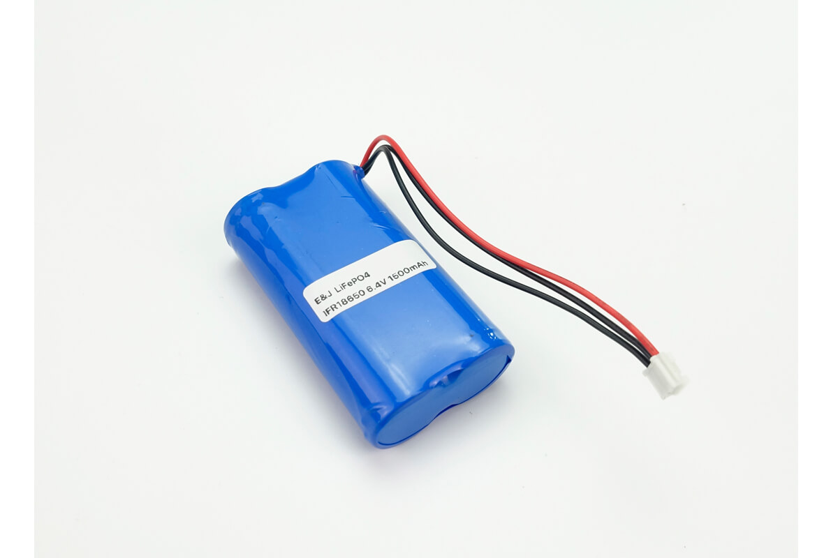 LiFePO4 18650 cells side by side 6.4V 1500mAh